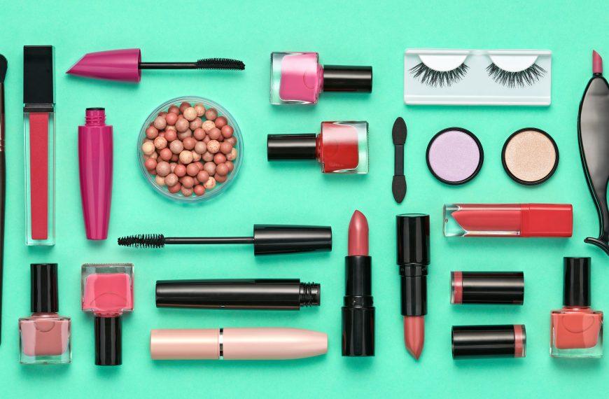 Trendy w branży kosmetycznej. Gdzie klienci będa kupować kosmetyki w 2021 r. ?